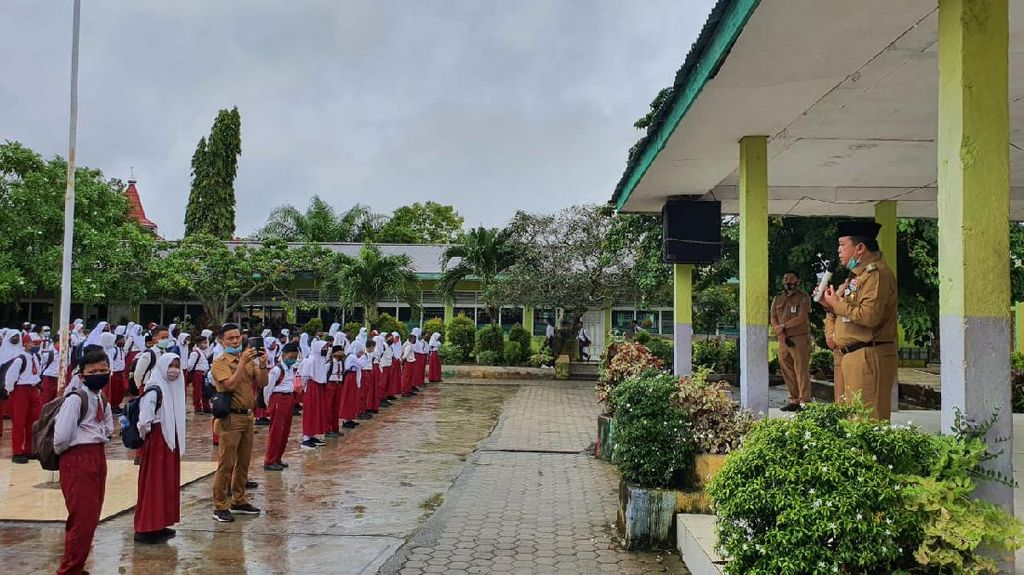Cek SD-SMP Belajar Tatap Muka, Bupati Merangin Minta Sarana Layak untuk Anak
