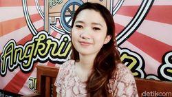 Daniella Bakul Cantik di Klaten Viral, Omzet Angkringannya Melejit