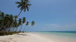 Eloknya Pemandangan di Pulau Ketawai, Bangka