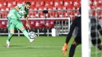 Top Skor Liga Spanyol: Bisakah Karim Benzema Salip Lionel Messi?