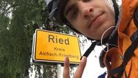 Papadimitriou sebelumnya jarang bersepeda, memang dia sempat mengikuti balapan pada tahun 2019 dan sempat beberapa kali latihan.