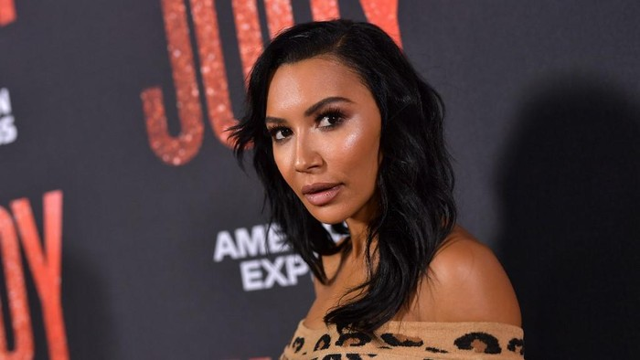 BEVERLY HILLS, CALIFORNIA - SEPTEMBER 19: Naya Rivera attends the LA premiere of Roadside Attractions