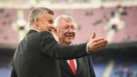 Solskjaer Selalu Minta Tolong ke Sir Alex Ferguson