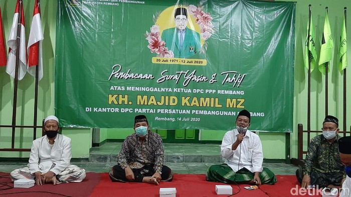 Pengurus DPC PPP Rembang gelar tahlil wafatnya Gus Kamil, Selasa (14/7/2020).