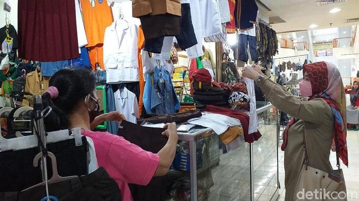 penjualan seragam sekolah