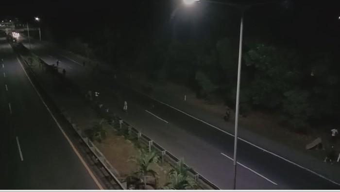 Tawuran Antar Warga di Tol Makassar