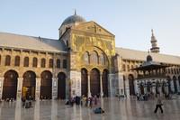 Berada di Kota Tua Damaskus, Masjid Umayyad adalah salah satu tempat ibadah yang paling diagungkan dalam Islam. Masjid ini dulunya menempati situs kuil Yupiter yang diubah oleh Kaisar Romawi Theodosius I menjadi sebuah gereja pada abad ke-empat. (iStock)