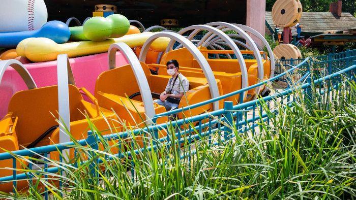 Disneyland Hong Kong yang kembali dibuka 18 Juni lalu kini kembali ditutup. Ditutupnya tempat wisata itu karena meningkatnya jumlah COVID-19 baru di Hong Kong.