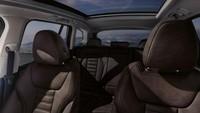 Mobil berkapasitas 5 penumpang ini diklaim punya kelapangan di sektor kabin. BMW menyebut kapasitas kompartemen ruang dan boot yang dapat diperluas dari 510 hingga 1.560 liter. Foto: BMW iX3