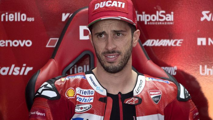 VALENCIA, SPAIN - NOVEMBER 15:  Andrea Dovizioso of Italy and Ducati Team looks on in box during the MotoGP Of Valencia - Free Practice at Ricardo Tormo Circuit on November 15, 2019 in Valencia, Spain. (Photo by Mirco Lazzari gp/Getty Images)
