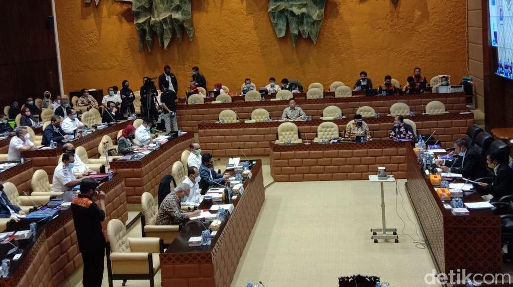 Kritik Anggota DPR soal Kejanggalan Perdinas Kemendes: Memalukan!