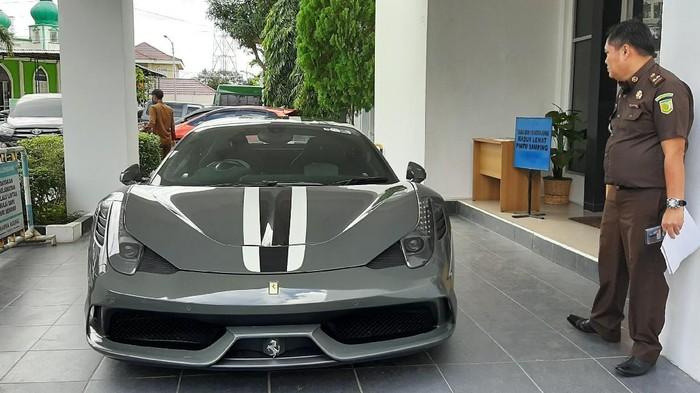 Ferrari dilelang Rp 10,2 miliar (Raja Adil-detikcom)