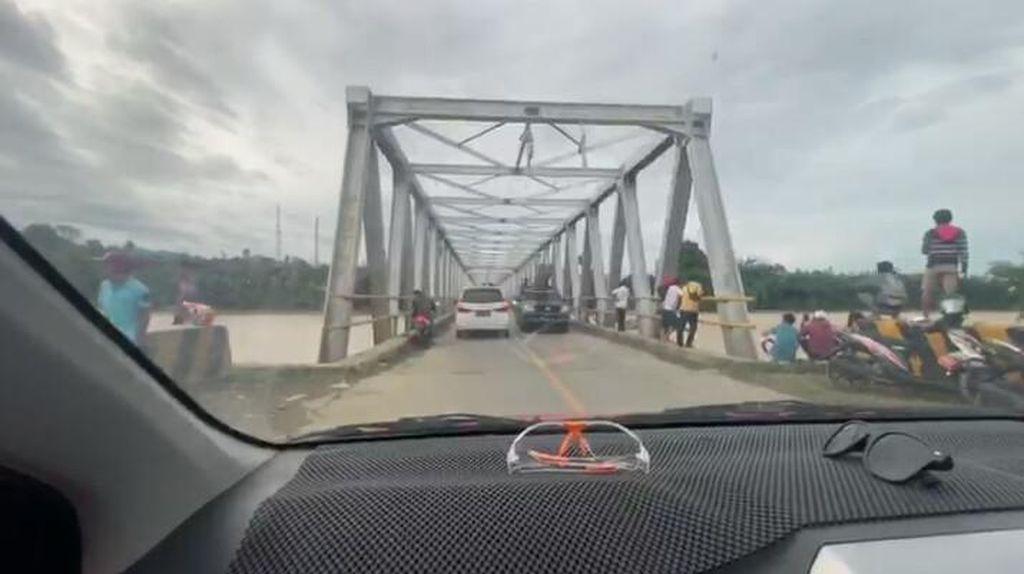 Tergerus Banjir Bandang Luwu Utara, Jembatan Sabbang Rawan Rubuh