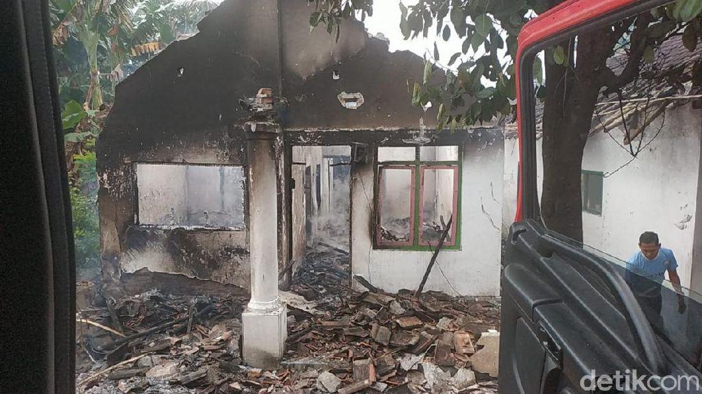 Tumpahan Bensin Sambar Tungku, Rumah dan Warung di Jember Ludes Terbakar