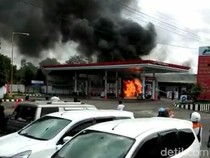 Mobil yang Isi Bahan Bakar Korsleting, Pom Bensin di Pamekasan Terbakar