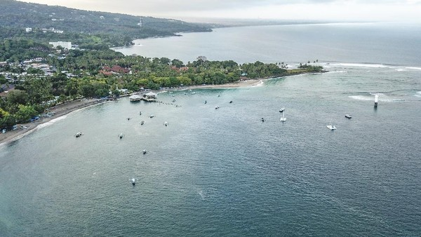 Foto udara kawasan destinasi wisata pantai Senggigi di Kecamatan Batulayar, Lombok Barat, NTB, Rabu (15/7/2020).