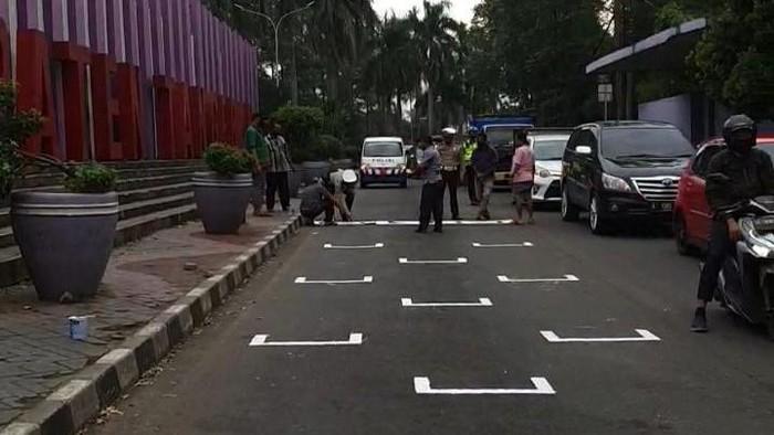 Marka jalan khusus pemotor di Tangerang