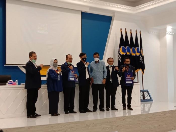 NasDem serahkan rekomendasi calon kepala derah di 16 pilkada se-Sumut (Ahmad Arfah-detikcom)