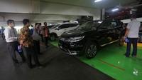 MUF mengadakan pameran otomotif digital dengan tawaran bunga 0% dan cicilan Rp 19 ribu per hari bagi yang berminat membeli motor dan mobil secara kredit.