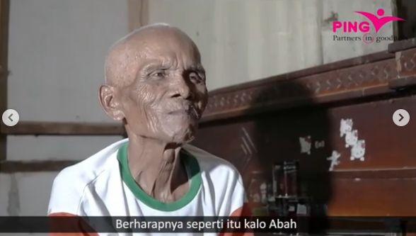 Kisah Kakek 84 Tahun Jualan Cilok Keliling