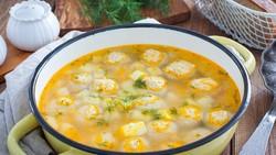 Resep Sup Bola Ayam dan Kentang yang Gurih Mantap