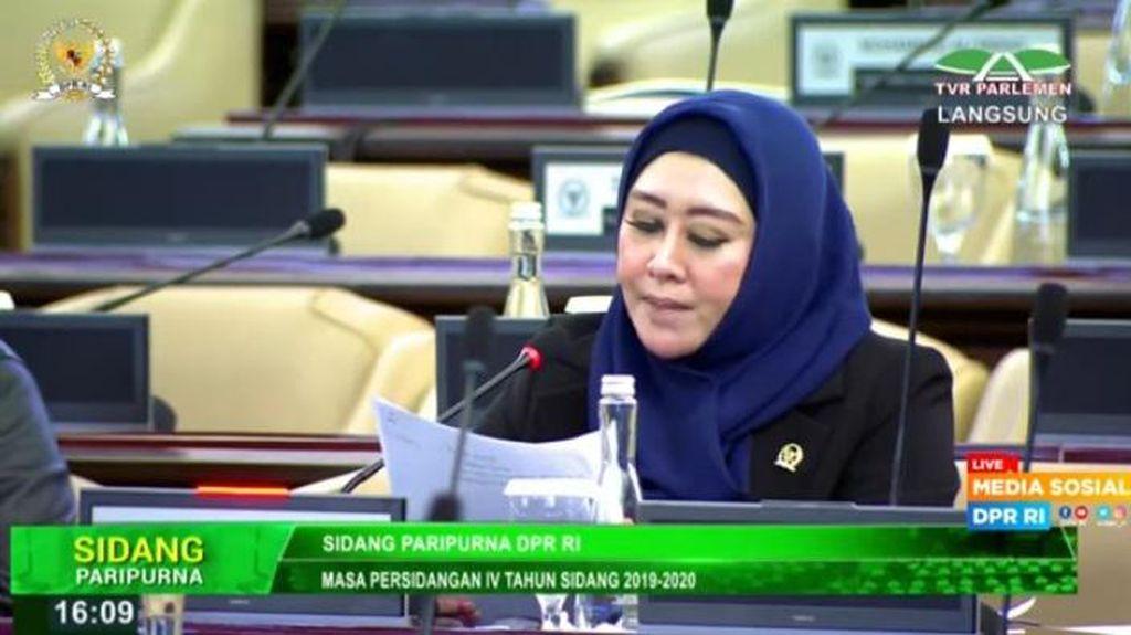 Keras! Anggota DPR Kritik KPK soal Pegawai Ditanya Bersedia Lepas Jilbab