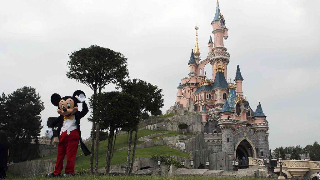 Disneyland Dibuka Lagi, 10.000 Karyawan Kembali Bekerja