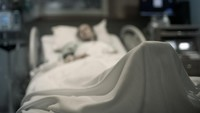 Viral Dokter Reka Adegan Menit Terakhir Pasien COVID-19 Sebelum Meninggal