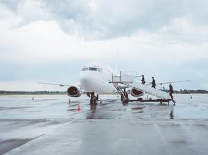 Viral Bikin Haru, Istri Pilot Videokan Momen Suami Sebelum Terbang