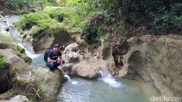 Selain itu, kelestarian alam disana terancam rusak dengan aktifitas penambangan ilegal di kawasan pegunungan Kendeng Utara. Yuk, berkunjung ke Kedung Londo. (Febrian Chandra/detikcom)