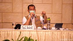 Ketua Satgas COVID-19 Doni Monardo Daftar Jadi Relawan Uji Vaksin Corona