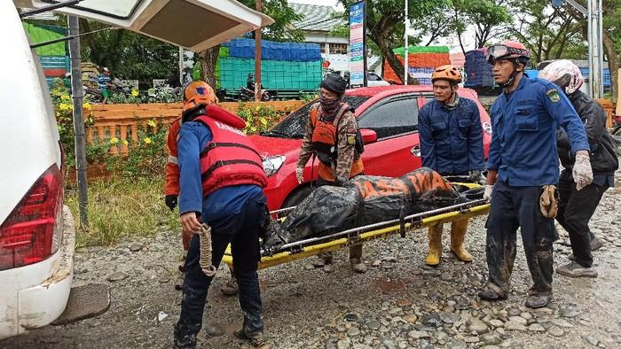 Korban banjir bandang di Luwu Utara ditemukan