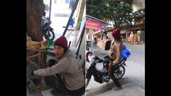 Viral Orang Baik di Tegal Rawat Kucing-kucing Jalanan yang Sakit