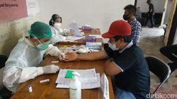 Jelang Pemutakhiran Data Pemilih, 305 Pengawas di Banyuwangi diRapid Test