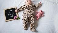 Perkembangan Bayi 5 Bulan, Sudah Bisa Apa Saja?