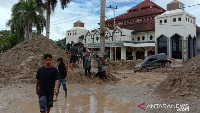 Banjir bandang Masamba, Luwu Utara.