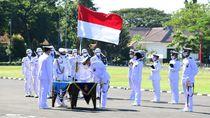 KASAL Pimpin Upacara Kelulusan 323 Perwira Diktukpa TNI AL Angkatan ke-49