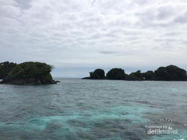 Pantai Sarawandori Kepulauan Yapen