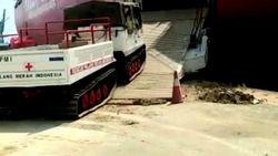 Jusuf Kalla Kirim Tank ke Lokasi Banjir Bandang di Luwu Utara