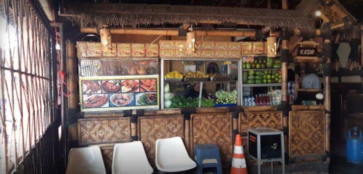 Restoran lesehan untuk makan bareng keluarga