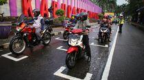 Ruang Henti Sepeda Motor di Lampu Lalu Lintas Ala MotoGP