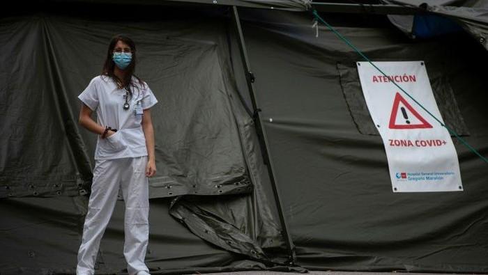 Tenaga medis di Spanyol menuntut haknya usai berjuang lawan Corona (AFP Photo)