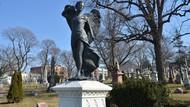 Pemakaman Elite New York Buka Lowongan untuk Seniman, Bayarannya Wow!