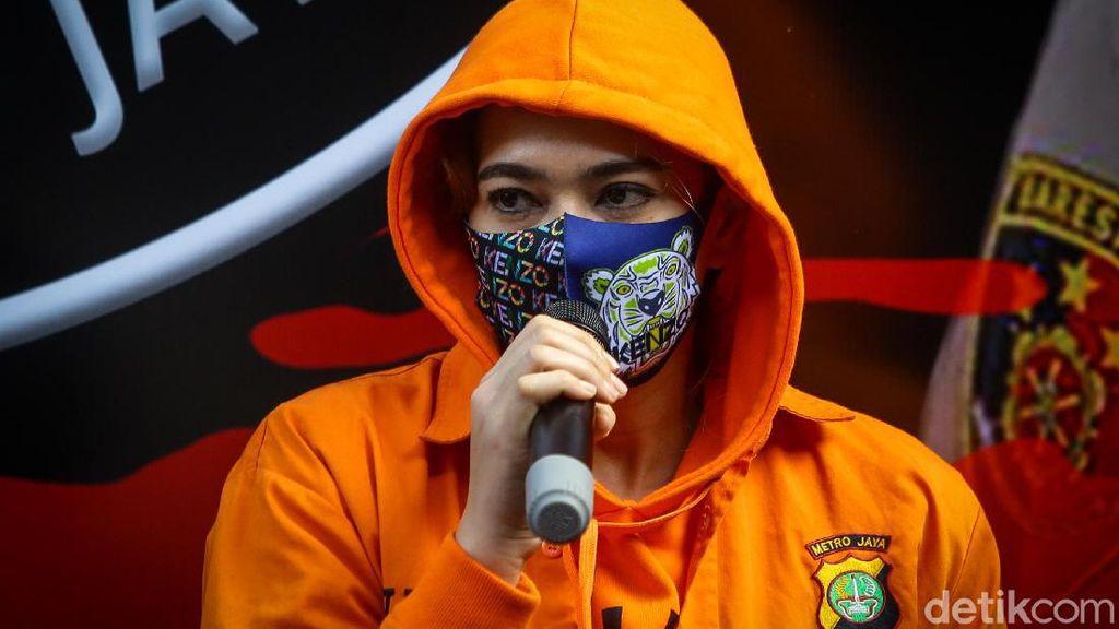 Ironi Catherine Wilson Isi Waktu di Tengah Pandemi untuk Pakai Sabu