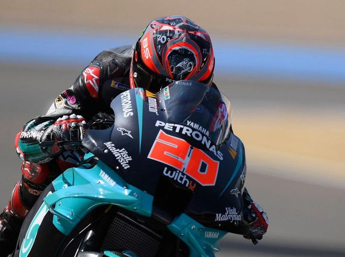 JEREZ DE LA FRONTERA, SPAIN - JULY 15: Fabio Quartararo of France and Petronas Yamaha SRT   heads down a straight during the MotoGP tests at the Circuito de Jerez on July 15, 2020 in Jerez de la Frontera, Spain. (Photo by Mirco Lazzari gp/Getty Images)