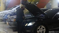 Setahun Corona di Indonesia: Penjualan Mobil Babak Belur, Mudik pun Ngumpet-ngumpet