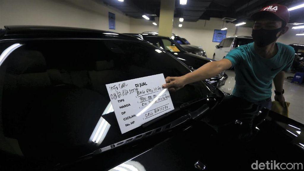 Geliat Penjualan Mobil Bekas di Blok M