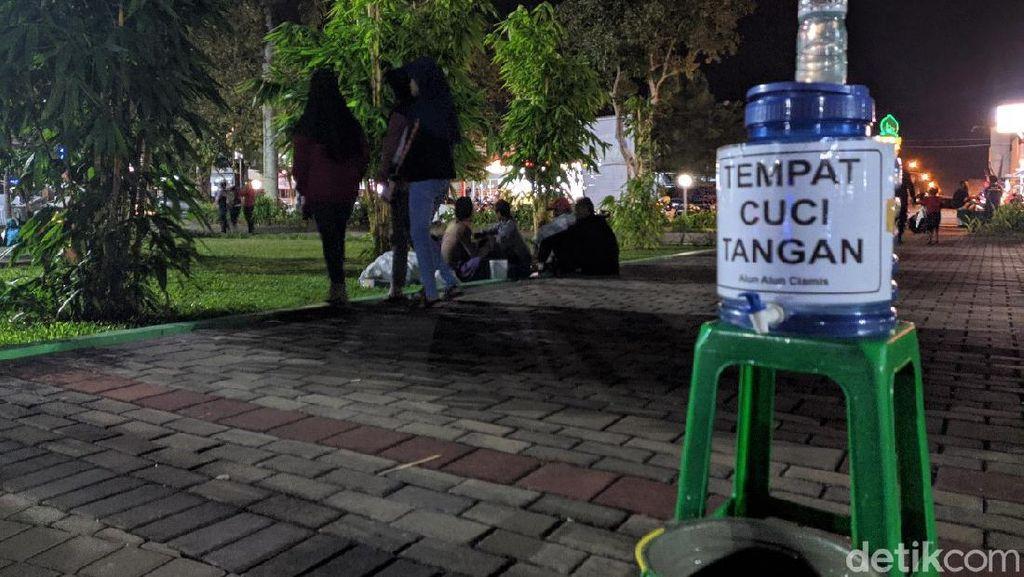 Hari Pertama Ramadhan, Pedagang di Alun-alun Ciamis Dijaga Satpol PP