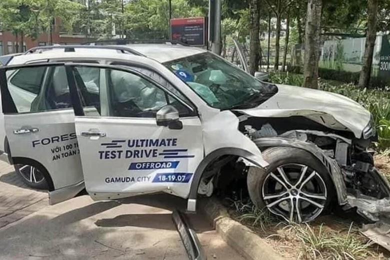Mobil Test Drive Ringsek Saat Dijajal Calon Konsumen