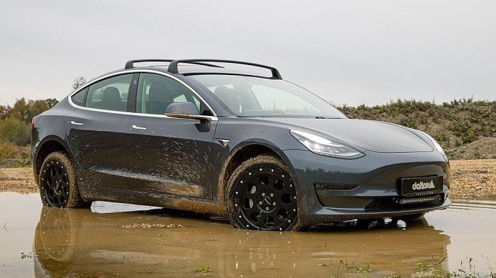 Modifikasi Tesla Model 3 jadi kendaraan off road
